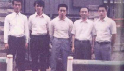 1972(昭和47年)5人のメンバーで創業