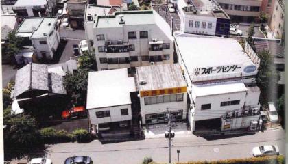 会社名を変更。当時の建物を上から撮影した写真