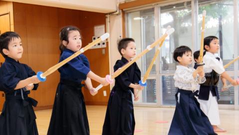 剣道強してでは安全面も考慮して活動します。